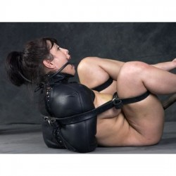 Zwangsjacke aus Leder – SM-Fesseln