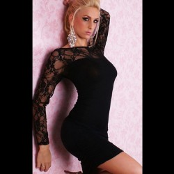 Sexy, schwarzes, hautenges Kleid mit Spitze