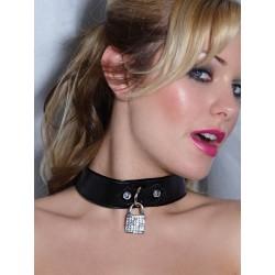Eng anliegendes Halsband: Lack und kleines Hängeschloss