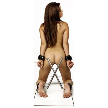 Spreizstange in X-Form: Hogtie-Stellung