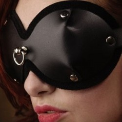 Bondage-Augenmaske aus Leder mit Ring an der Vorderseite