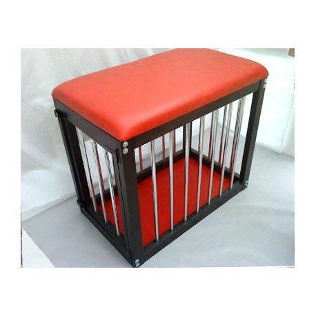Cage Thema: Holz und Leder