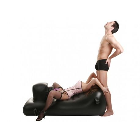 Love Lounger - Big Fickmaschine fickt aufblasbare Bett